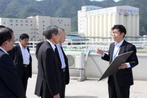 港湾事務所にて釜石港復旧状況の説明を受ける一行